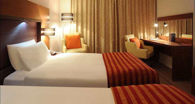 click here for hotels near the Opera House Manchester