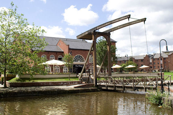 Restaurants in Manchester with Alfresco Dining - Restaurant offers in Manchester - The Wharf